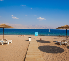 Пляж_отеля_U_Coral_Beach_Club_Eilat,_Эйлат